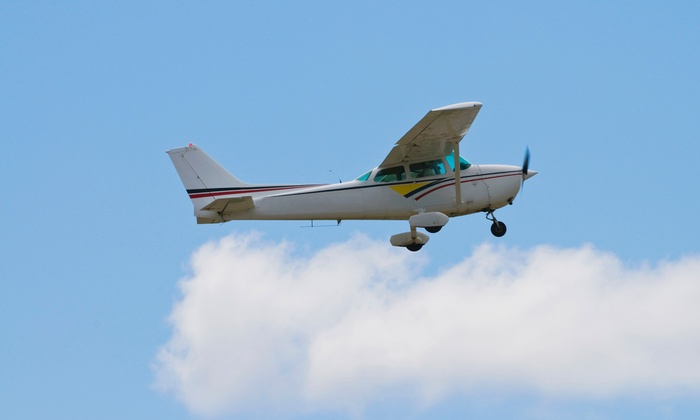 King Aviation Mansfield - Mansfield: $129 Flight Instruction with Ground Instruction and Photos at King Aviation Mansfield ($312 Value)