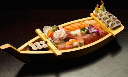 Misosoep of loempia en uitgebreide sushiboot voor 2 of 4 personen bij Ocean Sushi Antwerpen