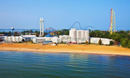 Stay at Hotel Breakers in Sandusky, OH