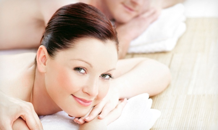 Massage 2 Houston - Downtown: $79 for Two-Hour Couples Massage Class at Massage 2 Houston ($175 Value)