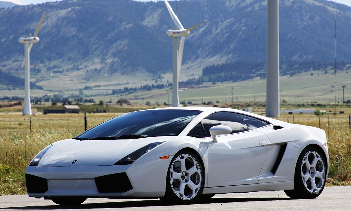Mile High Drives - Mile High Drives Phoenix: 25-Minute Drivein aLamborghini orFerrari Though the Foothillsat Mile High Drives (Up to 60%Off)