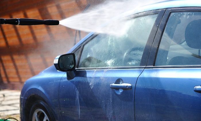 Lavage de voiture haute pression us carwash groupon for Lavage auto exterieur interieur