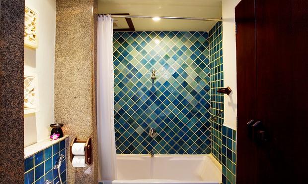 Phuket: 4* Aquamarine Resort 2