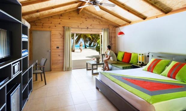 Maldives: 4* Resort + Flights 1