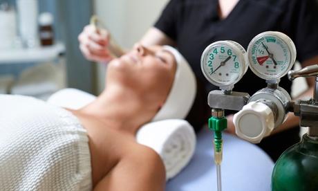 1 o 2 sesiones de oxigenoterapia facial con opción a masaje corporal desde 14,95 € en MCJ Bienestar Inacua