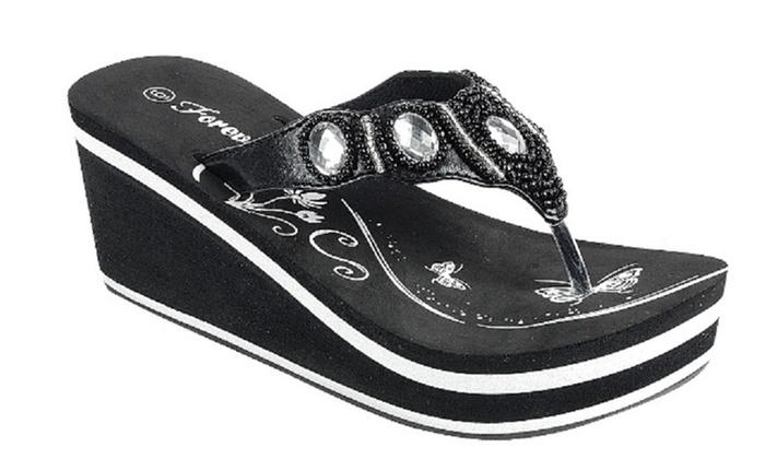 d646de7eece12 Mata Women s Synthetic Rubber Wedge Sandals (Size 7)