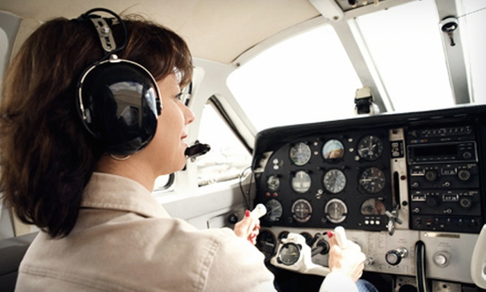 Chicago Premier Flight Training - Romeoville: 30- or 60-Minute Simulator Session with FAA-Certified Instructor at Chicago Premier Flight Training (Up to 70% Off)