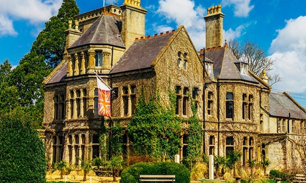 Wiltshire: Stay with 6-Course Dinner and Prosecco