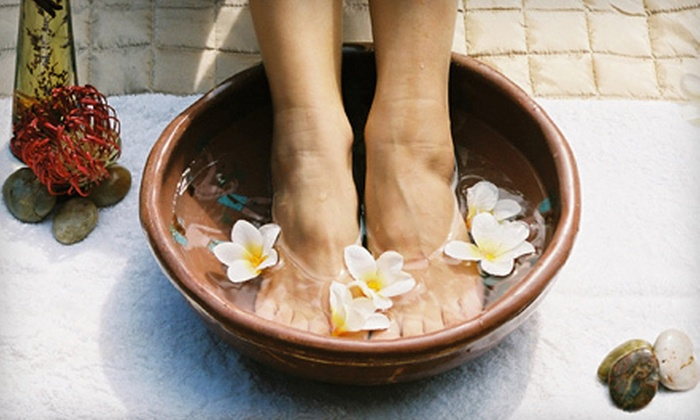 Illusion Skin Care - Doral: One or Three Foot Detox Sessions at Illusion Skin Care in Doral (Up to 62% Off)