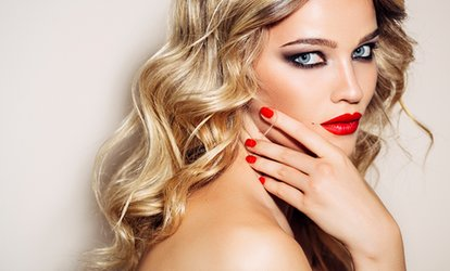 Shellac Manicure at Vi Tanya Salon (47% Off)