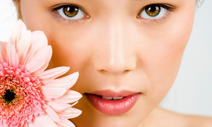 Laser & Wellness Center - Vancouver: $49 for Summer Skin Quencher Facial With BackExfoliationand Foot Treatment at Laser & Wellness Center ($190 Value)