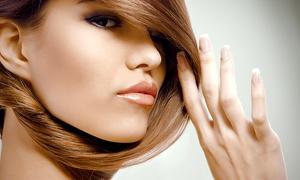 """מספרת דניאל רוזן: מעצב השיער דניאל רוזן: תספורת + אמפולה משקמת + פן, ב-69 ₪ או החלקה יפנית ב-399 ₪ בלבד. תקף גם בשישי ובחוה""""מ"""
