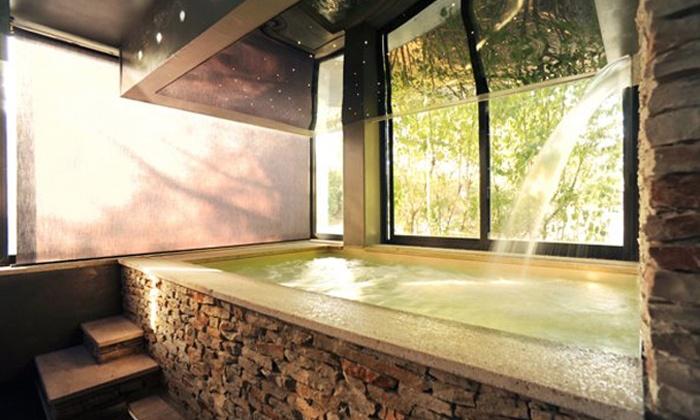 Domo Housing - Perugia: Umbria, Domo Housing Spa 4* - Soggiorno in suite con ingresso spa da 79 € o più una cena da 129 € per due persone