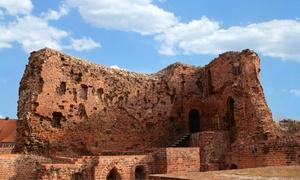 Centrum Kultury Zamek Krzyżacki: 2 bilety wstępu na ruiny zamku oraz do podziemi za 10 zł i więcej opcji w Centrum KulturyZamek Krzyżacki (do -44%)