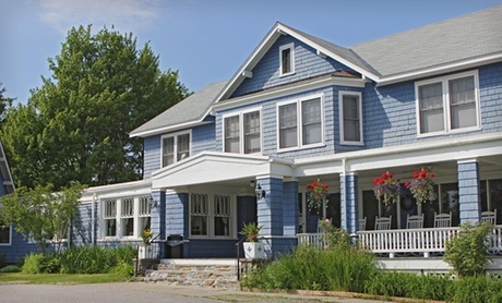 Small-Town B & B amid New Hampshire Mountains