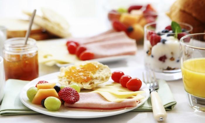 Restaurant Schifferklause - Timmendorfer Strand: Frühstück inkl. Getränken und je 1 Glas Sekt für zwei Personen im Restaurant Schifferklause (20% sparen*)