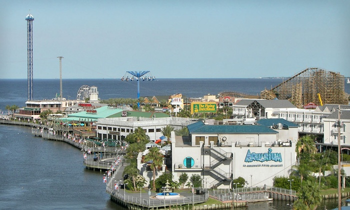 null - Houston: Stay at Holiday Inn Kemah on the Texas Gulf Coast, Dates Available Into December.