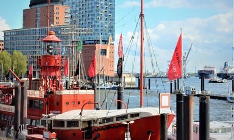 2 Std. Hamburg von Wahrzeichen zu Wahrzeichen-Tour für bis zu 4 Personen mit Unser Hamburg