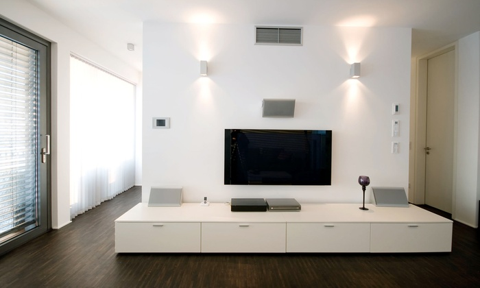 Ultimate Installation Services - Pico - Robertson: $189 for Wall-Mounted TV Bracket with Installation from Ultimate Installation Services ($385 Value)