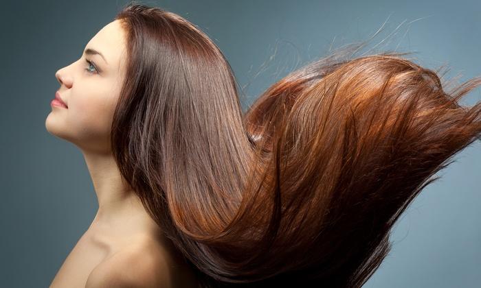 Sesión de peluquería con opción a tinte o mechas y tratamiento revitalizante desde 14,95 € en Laura Vega Estilistas