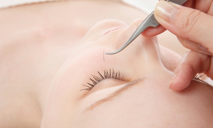 Eyebrow Threading - South Berkeley: Three Eyebrow-Threading Sessions or a Full-Face Threading at Eyebrow Threading (Up to 57% Off)