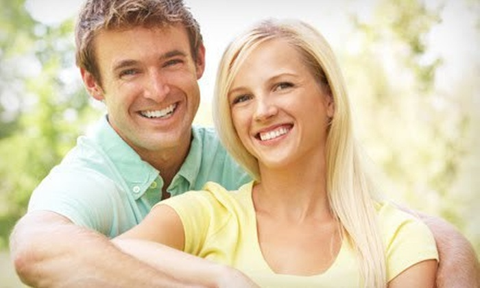 Smile Bright Teeth Whitening: $29 for a Professional At-Home Teeth-Whitening Kit and On-the-Go Pen from Smile Bright Teeth Whitening ($133.95 Value)