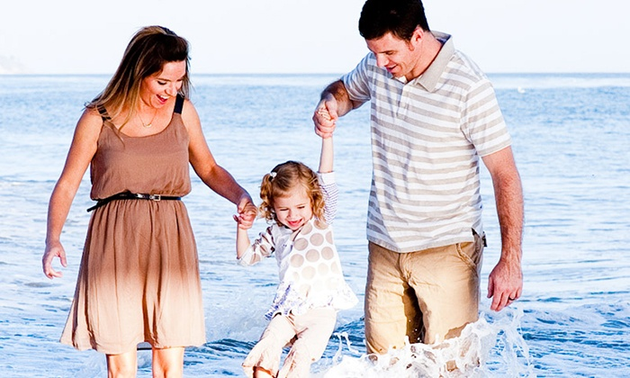 Joseph Braun Photography - Santa Barbara: $79 for On-Location Holiday Photo Shoot for Families With Children from Joseph Braun Photography (Up to $350 Value)
