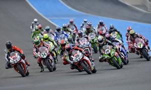 WorldSBK: World Superbike a Imola con passper Paddock e gara 29, 30 aprile e 1 maggio all'Autodromo di Imola (sconto del 61%)