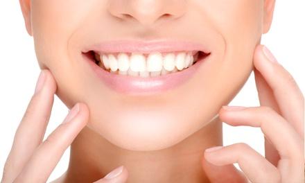 Ortodoncia con brackets a elegir, 6 revisiones y kit blanqueamiento desde 259 € en 6 centros Conrado Andrés