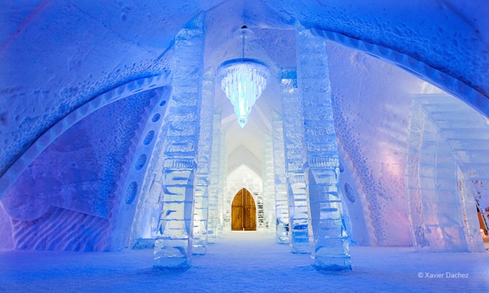 Hôtel de Glace - Quebec City: 1-Night Stay with Sleeping Bags, Breakfast, TwoDrinks, and Hot Tub and Sauna Access at Hôtel de Glace in Quebec City