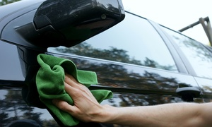 MotorSportWash: Lavado interior y exterior de coche con opción a limpieza de tapicería y desodorización desde 19,90 € en MotorSportWash