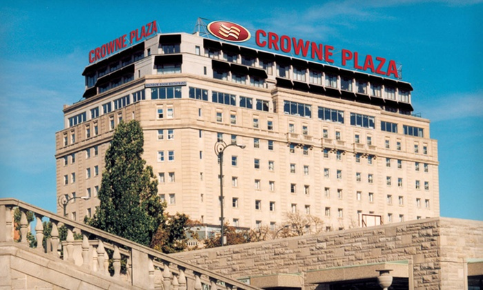 Crowne Plaza Niagara Falls - Niagara Falls: One-Night Stay with Wine Tours at Crowne Plaza Niagara Falls in Ontario, Valid for Check-In Sunday–Thursday