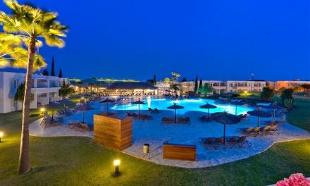 Acceso a spa para 2, copa de cava y opción a bufé y masaje en Vincci Costa Golf Resort (hasta 46% de descuento)