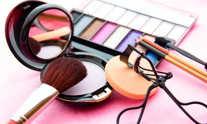 Noelia Burgos: Curso de maquillaje y diseño de cejas para una o dos personas desde 14,95 €