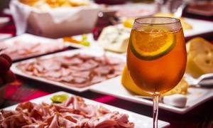 Cafè Soleil: Aperitivo per 2 o 4 persone con un cocktail a testa e buffet illimitato