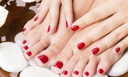 2 sesiones de manicura o manipedis con esmaltado normal permanente o semipermanente desde 12,95 € en Nimue