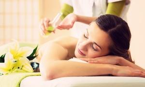 Wellness Studio: 60 Min. Kerzenöl-Ganzkörper- oder Hot-Bamboo-Massage im Wellness Studio ab 19,90 € (50% sparen*)
