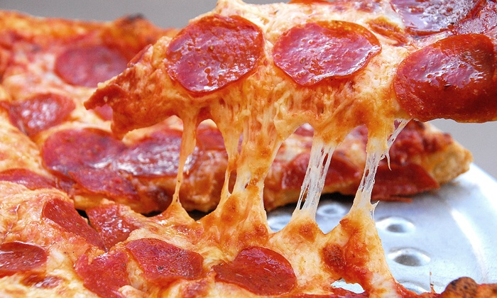 Flo's Pizzeria Ristorante & Sports Bar - Belmont: $29.99 for a Large Pizza, Breadsticks, and Growler for Take-Out from Flo's Pizzeria Ristorante $49.47 Value)