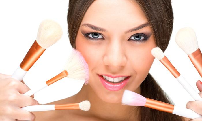 K S Nail Center - Via canazei 20 A: Corso di self make up, laboratorio di cosmesi naturale oppure entrambi da 19,99 €