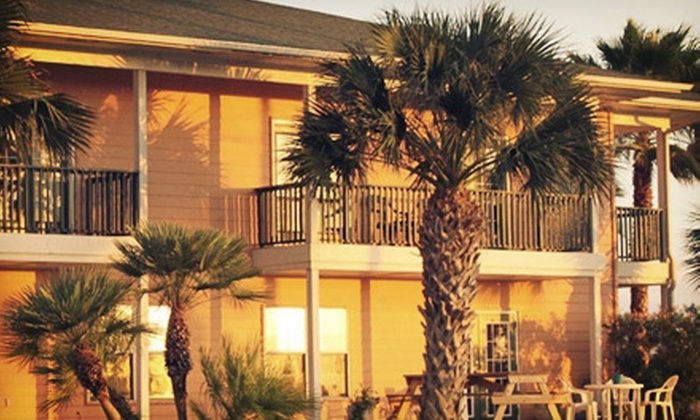 Island Hotel Port Aransas - Port Aransas, TX: One-, Two-, or Three-Night Stay for Two at Island Hotel Port Aransas (Up to 34% Off)