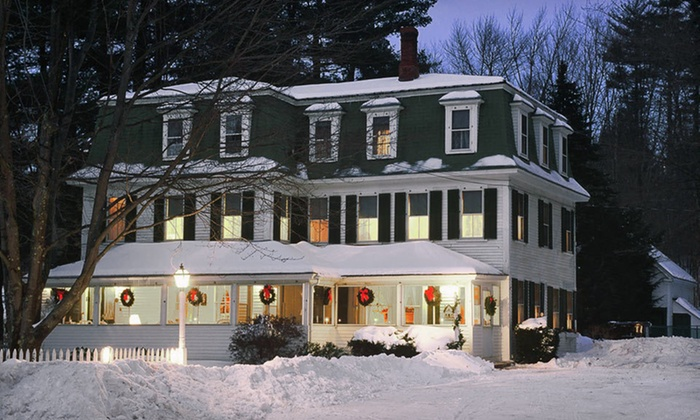 Glen Oaks Inn - Intervale: Two-Night Stay with Trail Passes and Champagne at Glen Oaks Inn in Intervale, NH