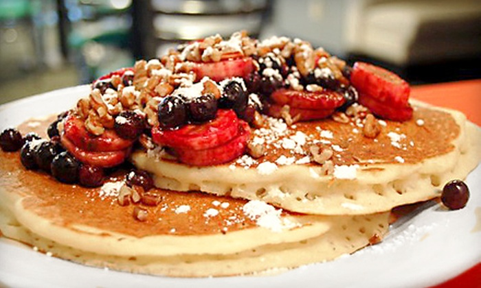 The Grandview Grill - Macalester - Groveland: $7 for $15 Worth of Contemporary Diner Cuisine at The Grandview Grill