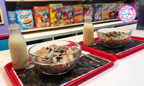 2 o 4 boles de cereales con lácteo y topping y opción premium con batido y gofre o crepe desde 4,25€ en Cereal House