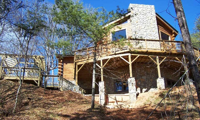Buffalo Creek Vacations - Clyde, NC: 3-Night Stay for Up to 14 in a Lodge or Cabin at Buffalo Creek Vacations in Clyde, NC. Combine Up to 6 Nights.