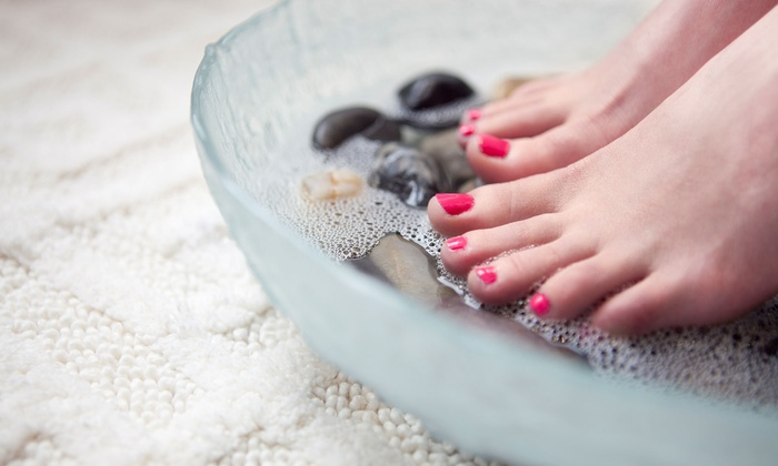 Liana Labriola at Dolce Vita Salon & Spa - Highlands Ranch: $35 for Mani-Pedi from Liana Labriola at Dolce Vita Salon & Spa ($70 Value)