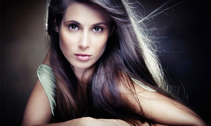 Get Glamourous by Ivone - European Beauty Clinic: Two or Four Chemical Peels at Get Glamorous By Ivone (Up to 75% Off)