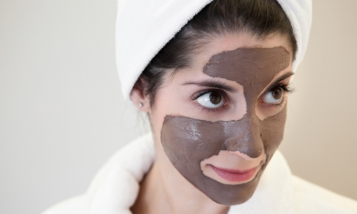 Bellissimo Spa & Salon - Encino: One or Three Facial-Treatment Packages or MicroPhototherapy Treatments at Bellissimo Spa & Salon (Up to 52% Off)