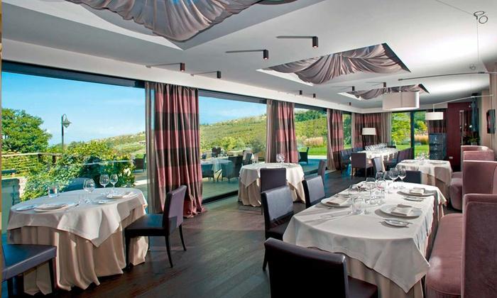Villa D'Amelia - Benevello (CN): Esperienza gourmet con 7 portate e vino a 99,99 € a Villa d'Amelia, una stella Michelin