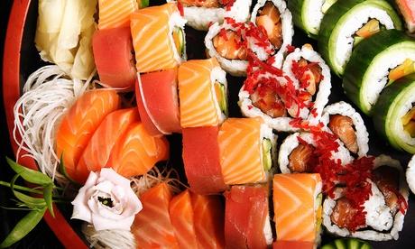 Menú japonés de 40 piezas de sushi y chupitos de sake por 19,95 € y con entrantes, wok y botella de vino desde 22,95 €