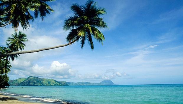 Phuket: 4* Beach Resorts + Flights 5